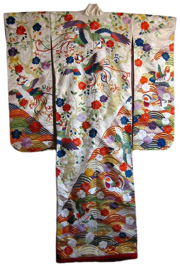 A Concise Guide to Selecting Vintage Kimono Fabric ...