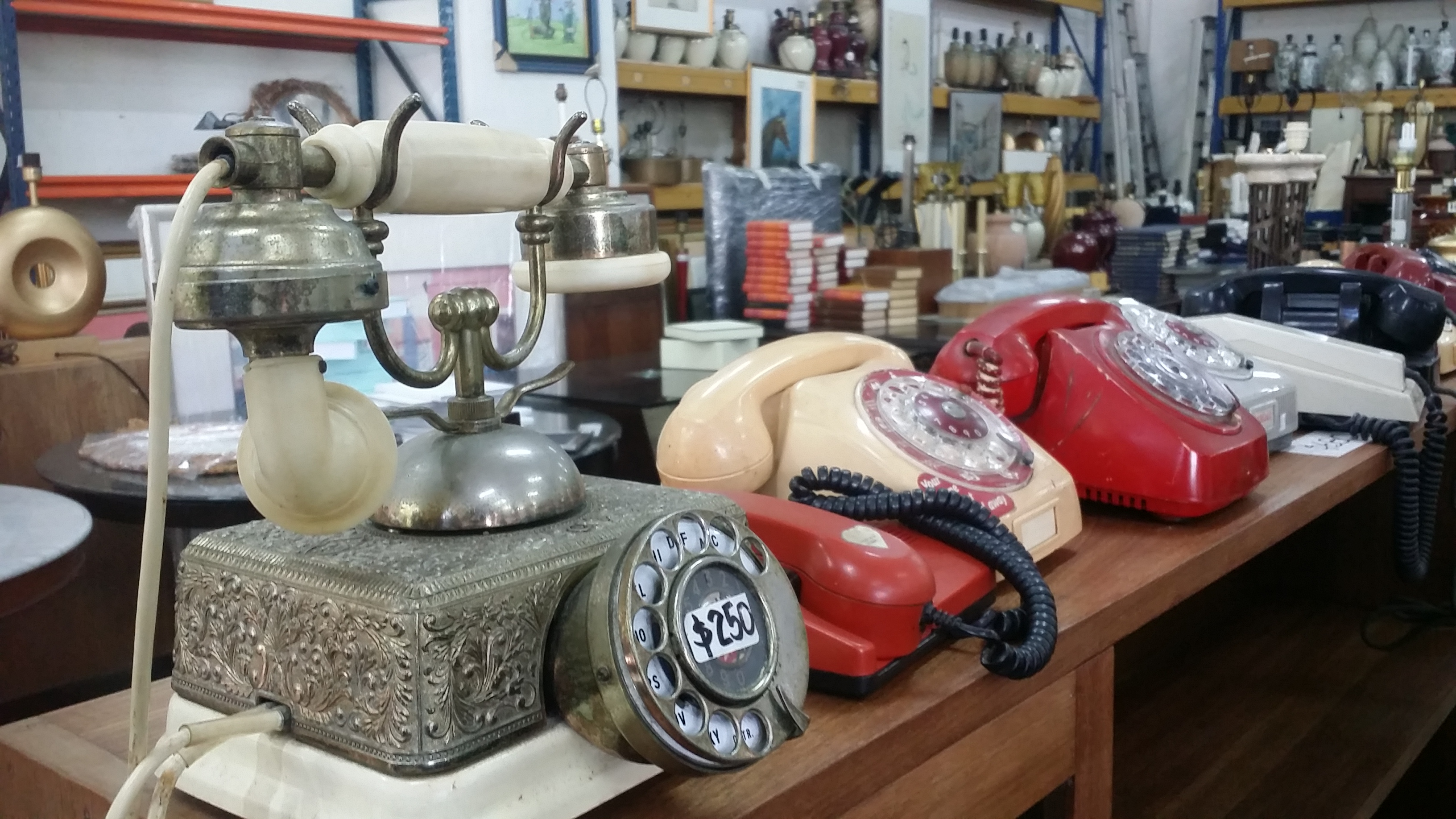 Hock Siong's Vintage Telephones